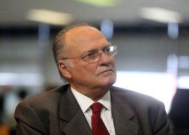 Roberto Freire causa o primeiro cenário de desconforto para João Azevêdo; base e história estão longe de Luciano Huck